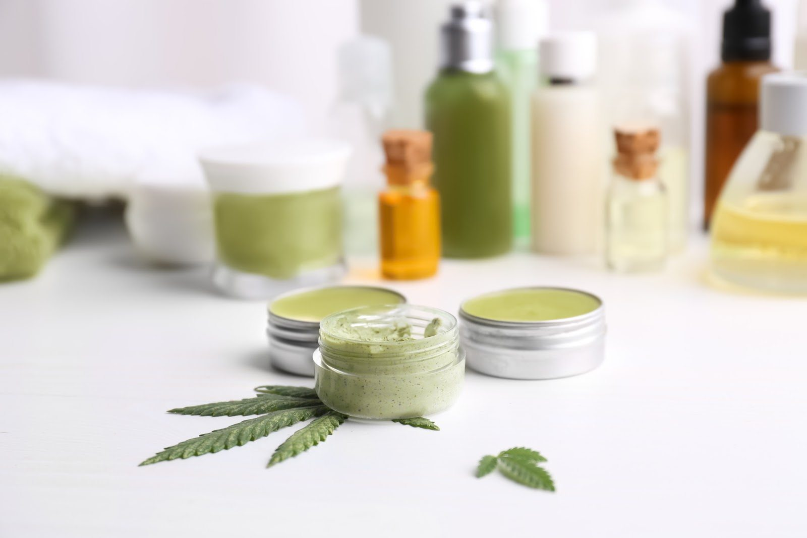 Read more about the article Types of CBD, Usage and Consumption